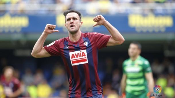 Kike García celebrando un gol en el Estadio de la Cerámica (LaLiga)