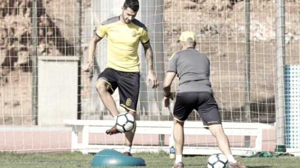 Vitolo ejercitándose // UD Las Palmas