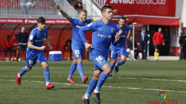Rubén Alcaraz celebrando uno de sus goles al Sevilla Atlético | Fuente: UD Almería