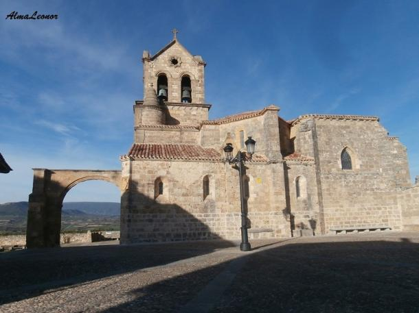 Iglesia de San Vicente Mártir y San Sebastián en Frías. Imagen: AlmaLeonor