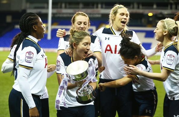 Spurs foram promovidos para a WSL 2 pela primeira vez na última temporada (Foto: Nur Photo/Getty Images)