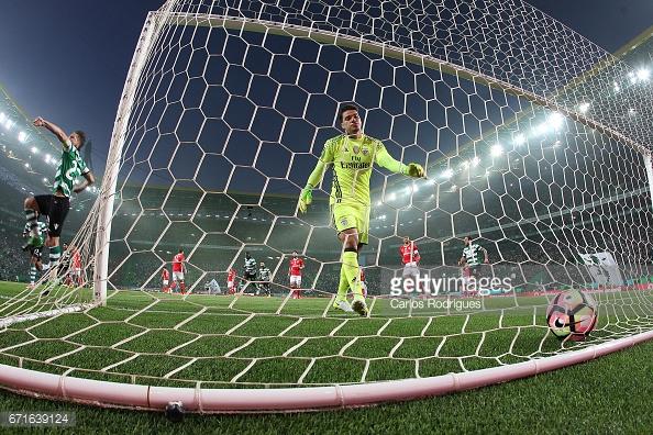 Adrien Silva voltou a marcar de grande penalidade