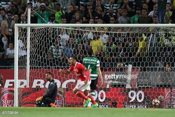O Benfica empatou o jogo aos 66'