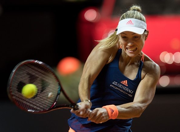 Kerber having to dig deep to keep herself in the set   Photo: Anadolu Ageny/Getty Images