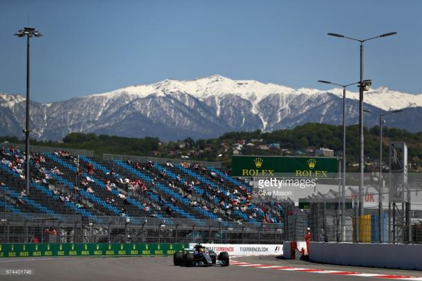 Hamilton struggled too. | Photo: Getty Images/Clive Mason