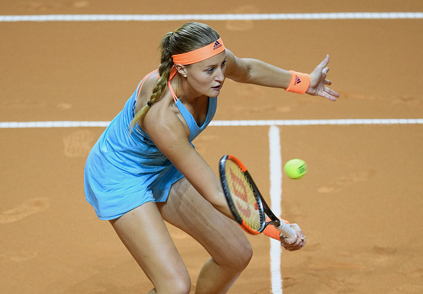 Mladenovic grabs the second set | Photo: Matthias Hangst/Getty Images