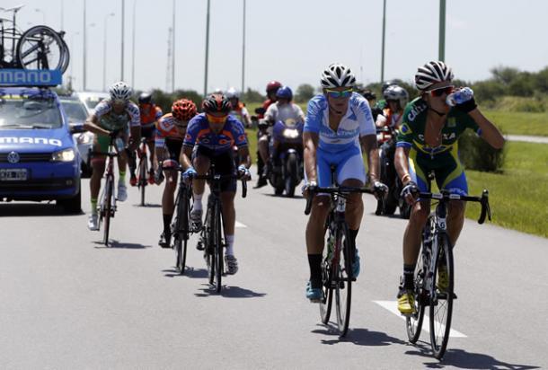 La fuga de la etapa, encabezada por Godoy. (Foto: Pablo Cersosimo / Tour de San Luis)
