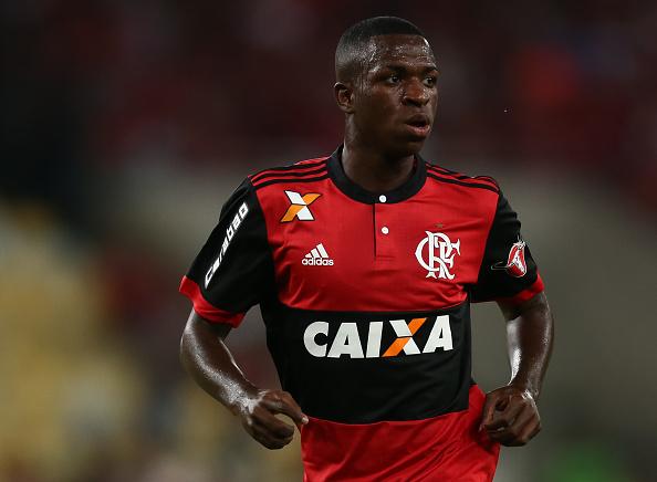 Vinícius Jr fez sua estreia profissional no Maracanã, contra o Atlético-MG (Foto: Buda Mendes/Getty Images)