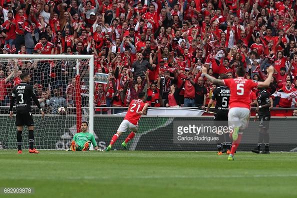 Pizzi fez um dos 5 golos que deram a vitória ao Benfica