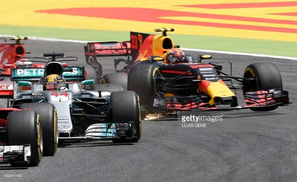 Verstappen (33) and Raikkonen collided at the start. | Photo: Getty Images/LLuis Gene