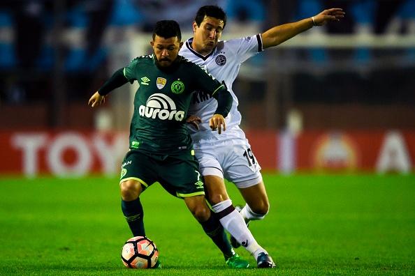 Lanús aciona Conmebol para reverter derrota para a Chapecoense