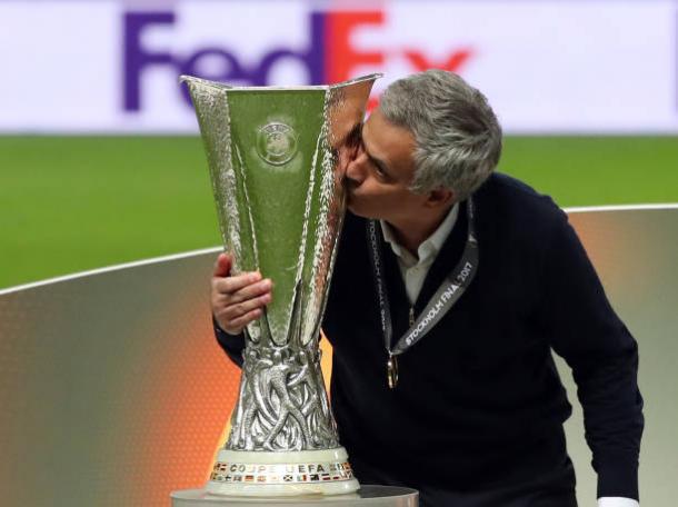 Mourinho renova seu contrato com o Manchester United até 2020