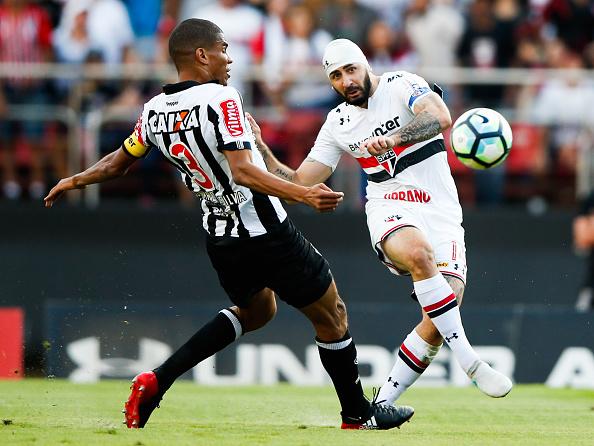 Galo venceu o São Paulo no primeiro turno (Foto: Alexandre Schneider/Getty Images)