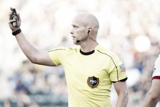 El árbitro Allen Chapman   Foto: Getty Images