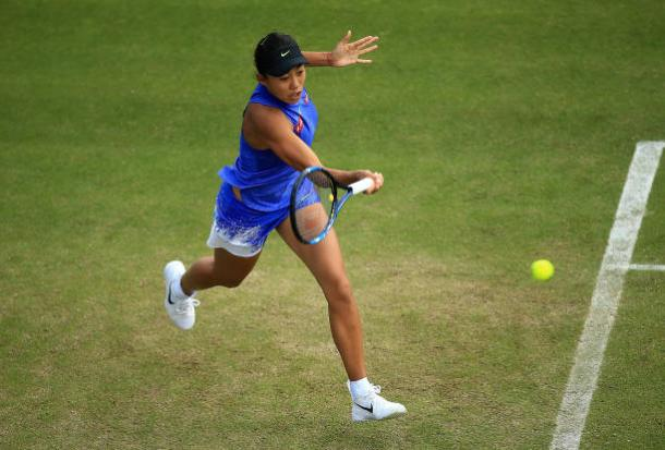 Zhang tries to hold on in the second set | Photo: Ben Hoskins/Getty Images