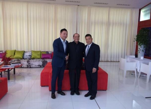 Han, Berlusconi e Li. Fonte foto: SkySport