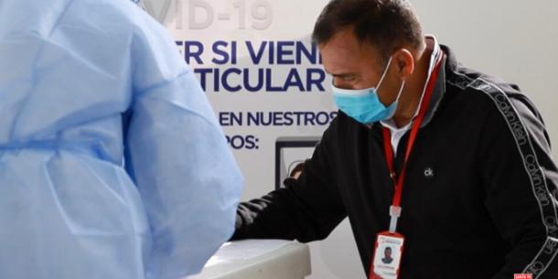 Todo el equipo se puso a disposición del grupo médico del Laboratorio Lorena Bejarano para hacer las pruebas reglamentarias por los protocolos de bioseguridad establecidos. Imagen: independientesantafe.com