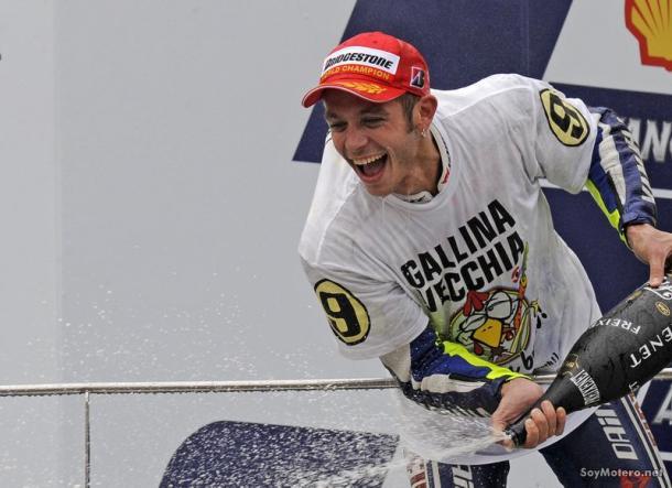 Rossi celebrando su noveno Mundial I Foto: evolutionlp.mforos.com