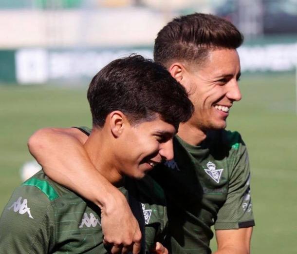 Diego Lainez y Álex Moreno durante un entrenamiento | Fotografía: @alexmoreno