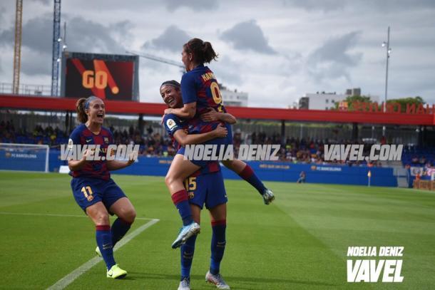 Alexia, Leila y Mariona celebrando un gol. FOTO: Noelia Déniz