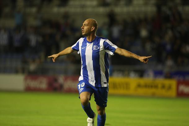 Jito celebra uno de sus goles en la 2011-2012  |  Fotografía: Deportivo Alavés