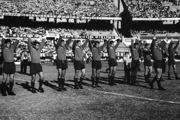 Elenco do Independiente em 1965, quando também conquistou a Libertadores (Foto: Hulton Archive/Getty Images)