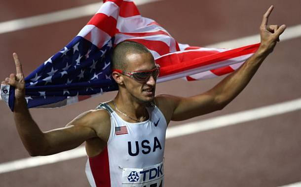 Jeremy Wariner celebrates his 2007 world 400m title in Osaka (Getty/Michael Steele)
