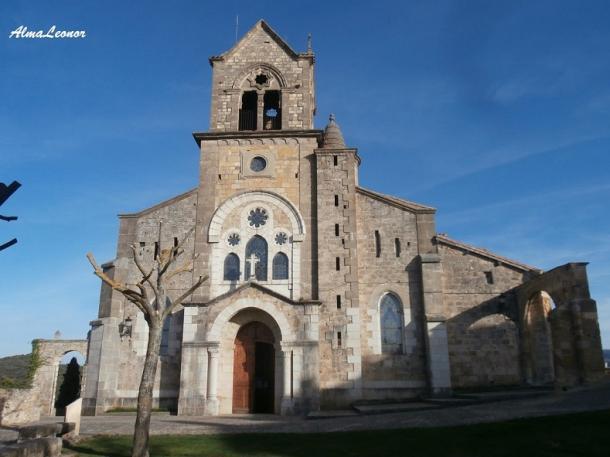 Vista frontal de la Iglesia de San Vicente Mártir y San Sebastián. Imagen: AlmaLeonor