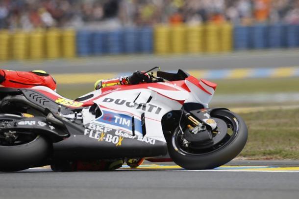 Iannone crashes out | Photo: autosport.com