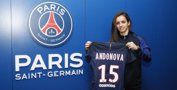 Natasa Andonova presents her new jersey and number | Source: psg.fr