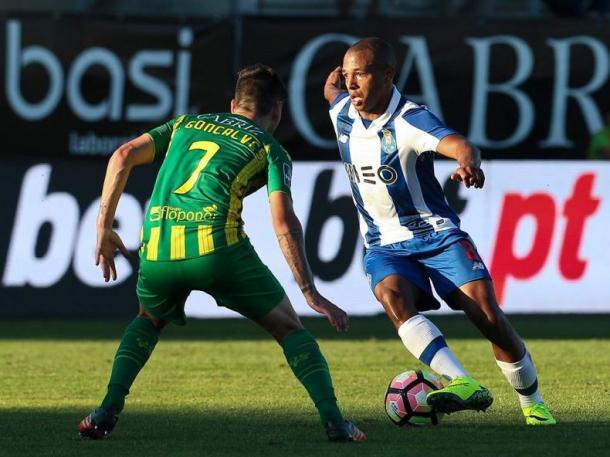 Brahimi foi uma das entradas no onze inicial | Foto: Mais Futebol