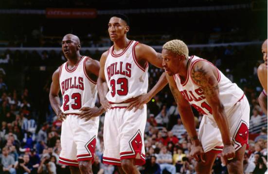 Dennis Rodman se unió al dúo Jordan-Pippen | Foto: Getty Images