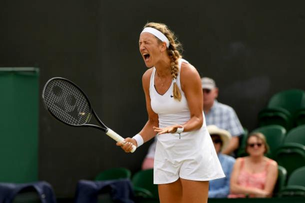 Victoria Azarenka during her fourth round loss at Wimbledon to Simona Halep (Getty/Shaun Botterill)