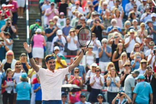 Federer sofre, mas elimina Ferrer e vai às quartas em Montreal