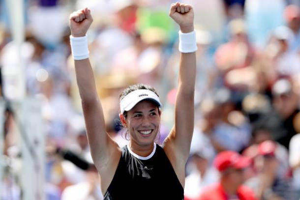 Garbine Muguruza celebrates her triumph in Cincinnati (Getty/Matthew Stockman)
