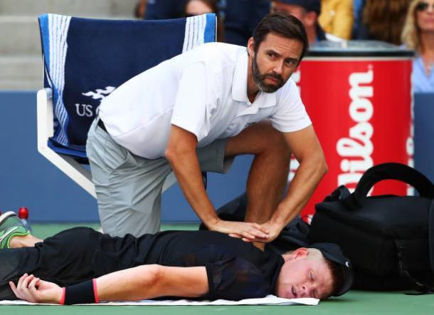 Edmund began struggling with a neck injury in the third set (Getty/Al Bello)