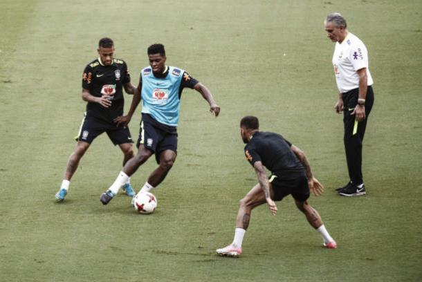 Jemerson treina com a Seleção em Manaus | Foto: Raphael Alves/Getty Images