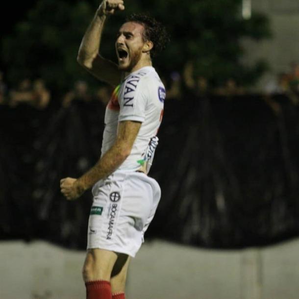 Ianson comemora o gol da classificação do Brusque   Foto: Divulgação/Brusque