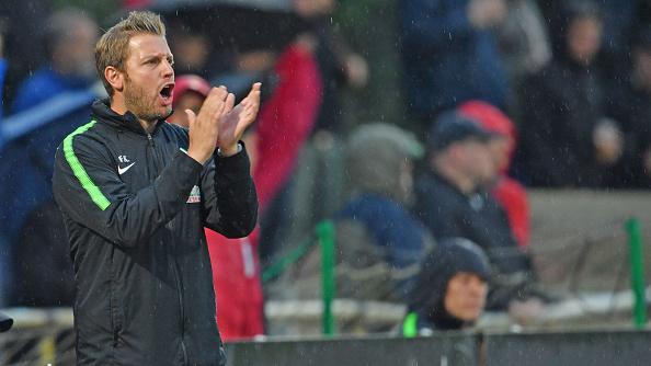 Florian Kohfeldt garantido como técnico do Bremen até o fim deste ano (Foto: Thomas Starke|Bongarts|Getty Images)