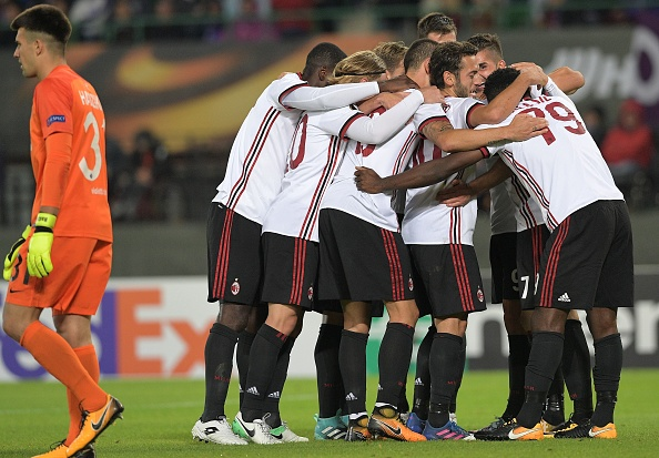 Milan larga bem na fase de grupos da Europa League (Foto: Joe Klamar/AFP)