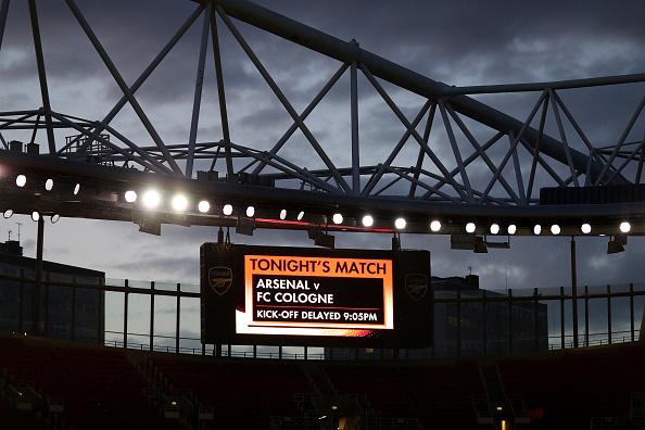 A partida acabou sendo adiada em uma hora devido à confusões no entorno do Emirates (Foto: Richard Heathcote / Getty Imaages)
