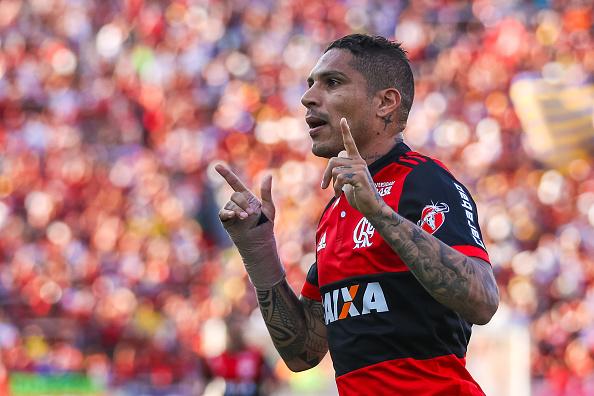 Guerrero abriu o placar para o Flamengo contra o Sport (Foto: Buda Mendes/Getty Images)