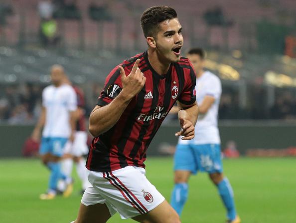 André Silva celebra um de seus quatro gols na Europa League (Foto: Emilio Andreoli/Getty Images)