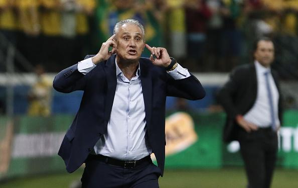 Tite defende Neymar de cartão amarelo e agradece torcida do Palmeiras: 'Carinho muito grande'