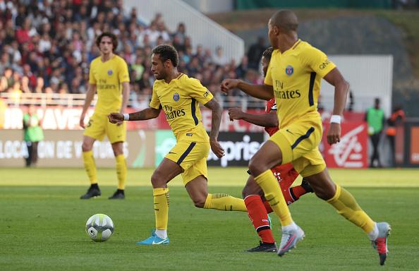 Com Neymar discreto, PSG vence no fim