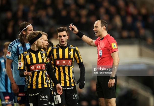 Jonas Eriksson , el árbitro europeo más experimentado (Foto: Getty Images)