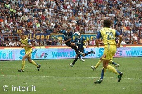 Il gol di Stankovic in Inter-Chievo 4-3 | Foto: inter.it