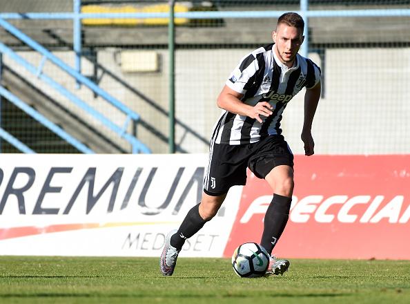 Pjaca em ação pelo time sub-19 da Juventus (Foto: Divulgação/Juventus FC)