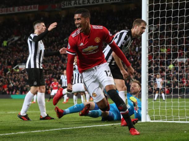 Smalling fez gol da virada (Foto: John Peters/Man Utd via Getty Images)
