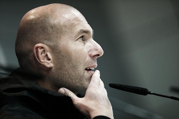Entrevista coletiva de Zidane antes do jogo contra o Borussia Dortmund | Foto: Gonzalo Arroyo Moreno/Getty Images